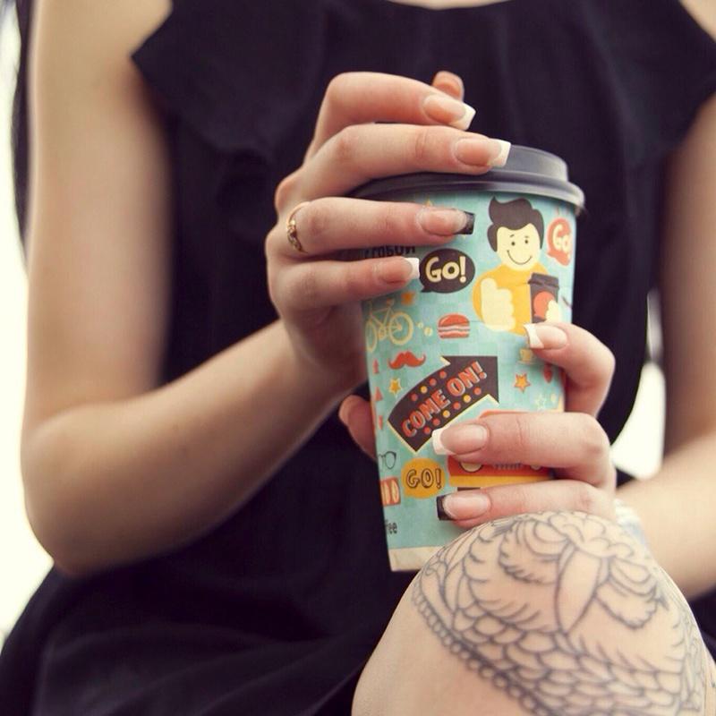Фирменные стаканчики GO!Кофе заметно выделяются среди прочих других