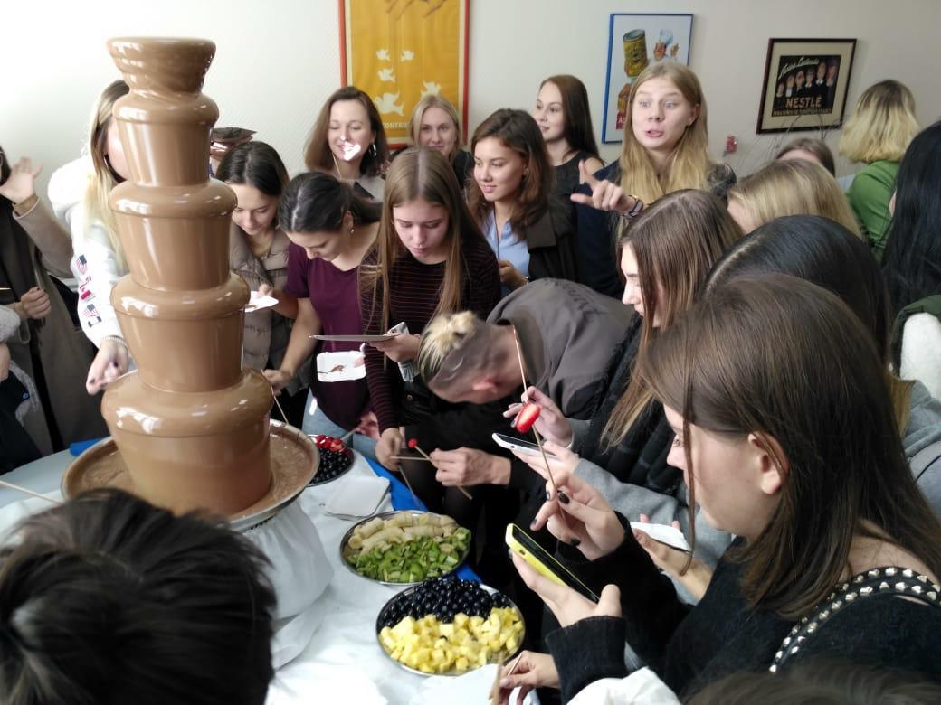 Для шоколадных фонтанов используется только бельгийский шоколад Barry Callebaut